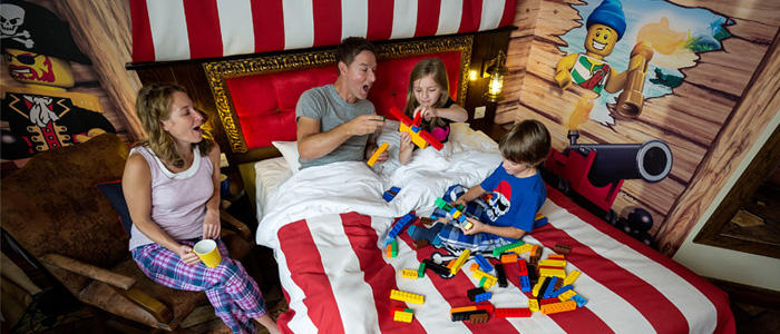 Family in Pirate room at LEGOLAND Resort Hotel