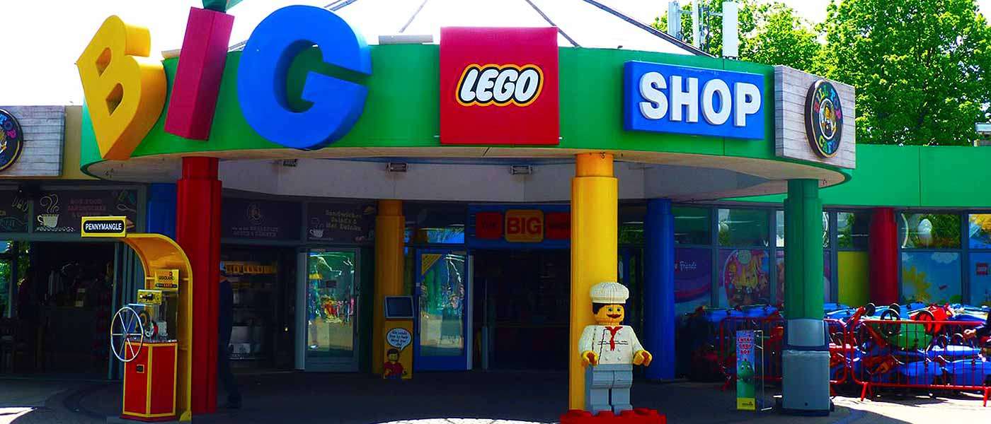 Shopping at LEGOLAND